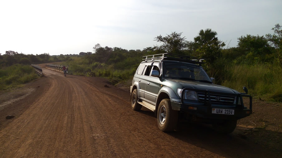 4x4 Land Cruiser Prado - Road to Kidepo National Park